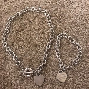 Return to Tiffany bracelet and necklace